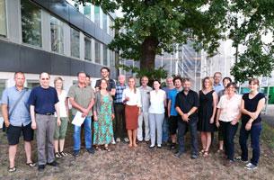 Gruppenbild der am schwäbischen Wiesenbrüterschutz beteiligten Akteure.
