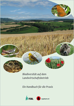 Titelbild des Buches mit einem großen Bild eines Getreidefeldes, darin mehrere kleine, runde Bilder von Pflanzen und Tieren, die hier ihren Lebensraum haben.