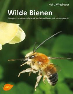 : Titelbild des Buches mit der Großaufnahme einer Wildbiene im Langeanflug auf eine gelbe Blüte.
